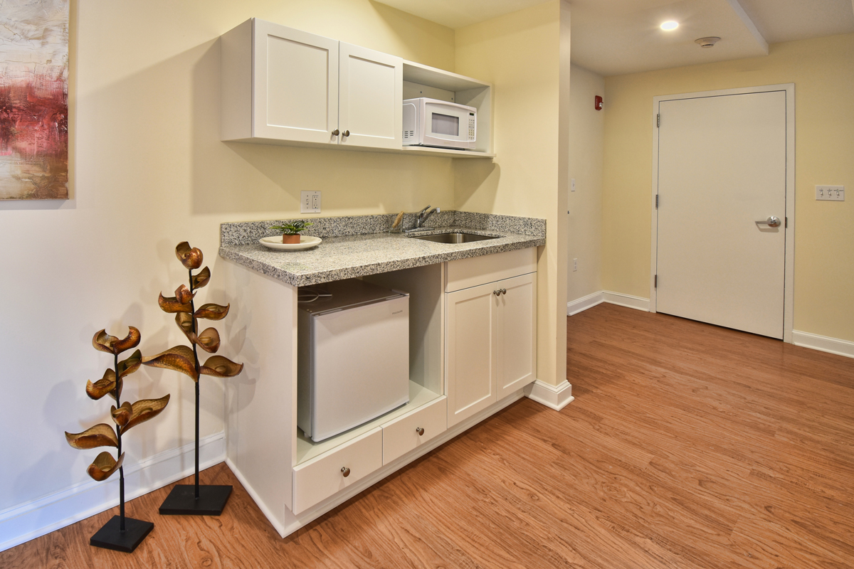 Courtyard Suites Kitchenette